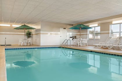 Pool | Country Inn & Suites by Radisson, Peoria North, IL