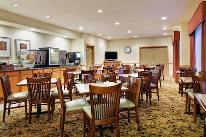 Breakfast Room | Country Inn & Suites by Radisson, Rock Falls, IL