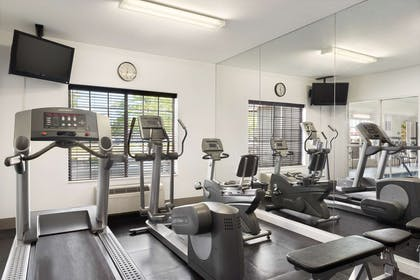 Fitness Center   Country Inn & Suites by Radisson, Romeoville, IL