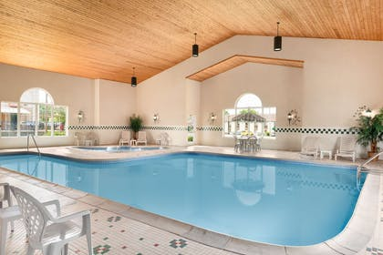 Pool | Country Inn & Suites by Radisson, Sycamore, IL