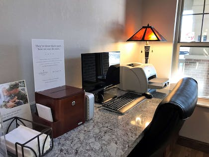 Business Center   Country Inn & Suites by Radisson, Zion, IL