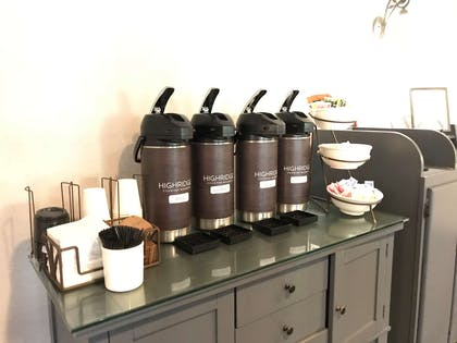 24/7 Coffee & Tea   Country Inn & Suites by Radisson, Zion, IL