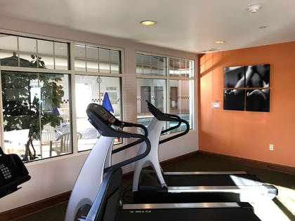 Fitness Center   Country Inn & Suites by Radisson, Zion, IL