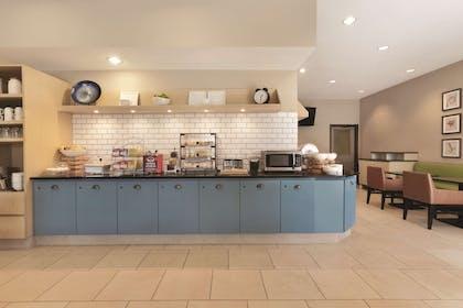 Breakfast Room | Country Inn & Suites by Radisson, Indianapolis Airport South, IN