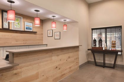 Front Desk   Country Inn & Suites by Radisson, Merrillville, IN