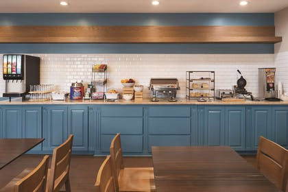Breakfast Area | Country Inn & Suites by Radisson, Michigan City, IN