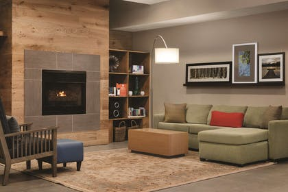 Living Room | Country Inn & Suites by Radisson, Indianapolis South, IN