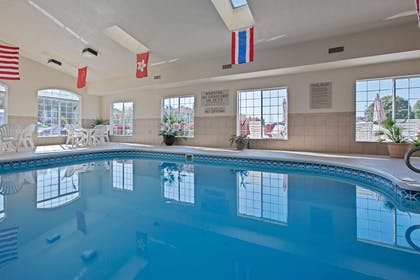 Pool | Country Inn & Suites by Radisson, Paducah, KY
