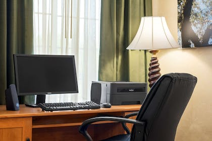 Business Center | Country Inn & Suites by Radisson, Paducah, KY