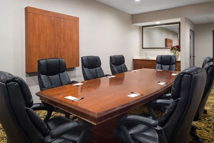 Meeting Room   Country Inn & Suites by Radisson, Louisville South, KY