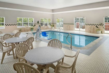 Pool   Country Inn & Suites by Radisson, Louisville South, KY