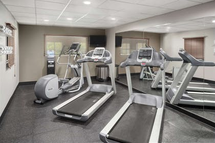 Fitness Center   Country Inn & Suites by Radisson, Louisville South, KY