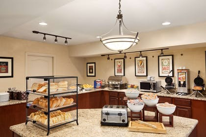 Breakfast Room | Country Inn & Suites by Radisson, Annapolis, MD