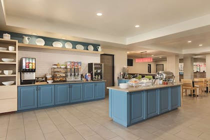 Breakfast Room | Country Inn & Suites by Radisson, Hagerstown, MD