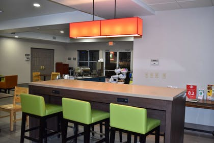 Breakfast Area | Country Inn & Suites by Radisson, Hagerstown, MD