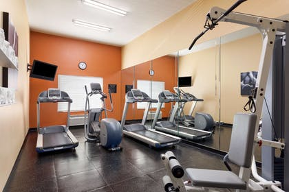 Fitness Center | Country Inn & Suites by Radisson, Bel Air/Aberdeen, MD