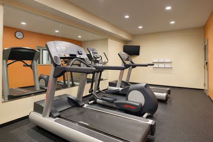 Fitness Room | Country Inn & Suites by Radisson, Salisbury, MD