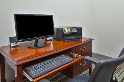 Business Center | Country Inn & Suites by Radisson, Big Rapids, MI
