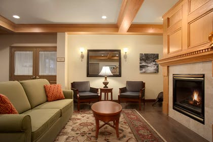 Lobby | Country Inn & Suites by Radisson, Dundee, MI