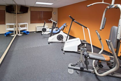 Fitness Room | Country Inn & Suites by Radisson, Lansing, MI