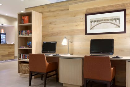 Business Center | Country Inn & Suites by Radisson, Bloomington at Mall of America, MN