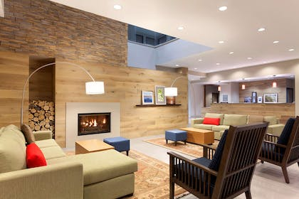 Lobby | Country Inn & Suites by Radisson, Bloomington at Mall of America, MN