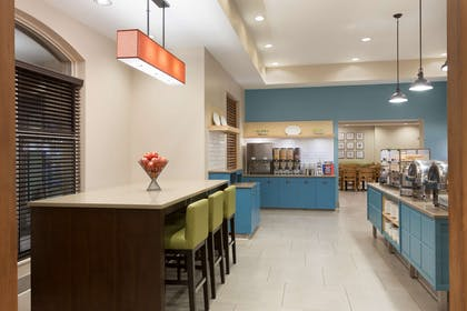 Breakfast Area | Country Inn & Suites by Radisson, Bloomington at Mall of America, MN