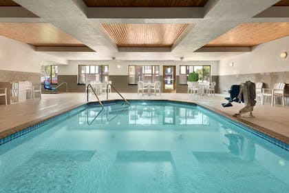Pool | Country Inn & Suites by Radisson, St. Cloud West, MN