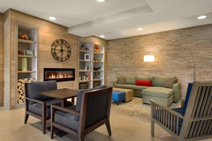 Lobby | Country Inn & Suites by Radisson, St. Cloud West, MN