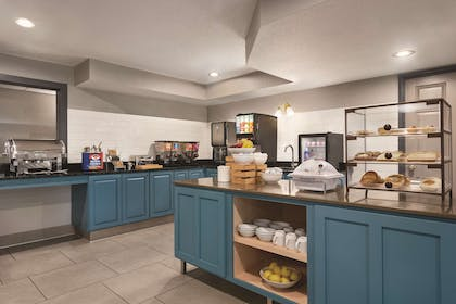 Breakfast Area | Country Inn & Suites by Radisson, Cottage Grove, MN