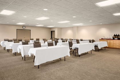 Meeting Room | Country Inn & Suites by Radisson, Duluth North, MN