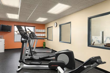 Fitness Center | Country Inn & Suites by Radisson, Duluth North, MN