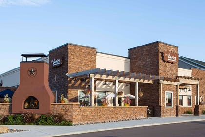 Bonfire Restaurant   Country Inn & Suites by Radisson, Mankato Hotel and Conference Center,