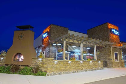 Bonfire Exterior Night   Country Inn & Suites by Radisson, Mankato Hotel and Conference Center,