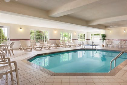 Pool   Country Inn & Suites by Radisson, Mankato Hotel and Conference Center,