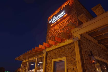 Bonfire Exterior Sign   Country Inn & Suites by Radisson, Mankato Hotel and Conference Center,