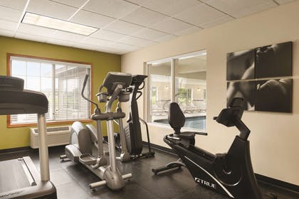 Fitness Center   Country Inn & Suites by Radisson, Mankato Hotel and Conference Center,