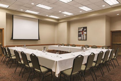 Meeting Room   Country Inn & Suites by Radisson, Mankato Hotel and Conference Center,