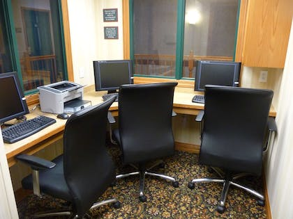 Business Center   Country Inn & Suites by Radisson, Mankato Hotel and Conference Center,