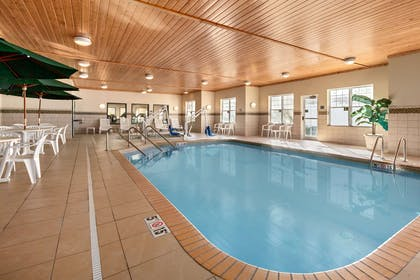 Pool   Country Inn & Suites by Radisson, Red Wing, MN