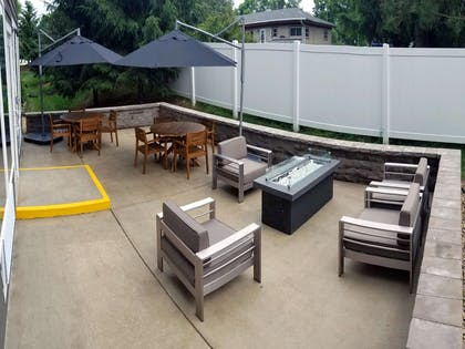 Outdoor Patio   Country Inn & Suites by Radisson, Red Wing, MN