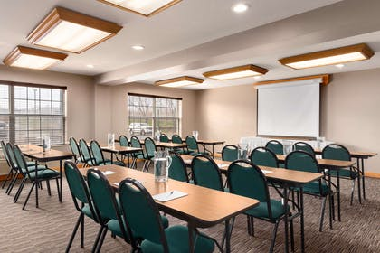 Meeting Room | Country Inn & Suites by Radisson, Rochester South, MN