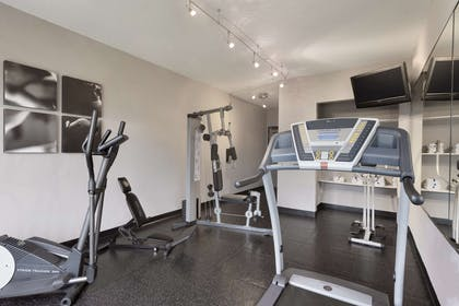Fitness Center | Country Inn & Suites by Radisson, Minneapolis/Shakopee, MN