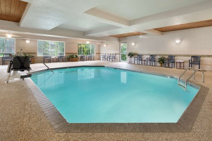 Pool | Country Inn & Suites by Radisson, Minneapolis/Shakopee, MN