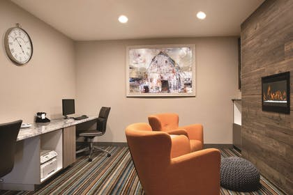Business Center | Country Inn & Suites by Radisson, Shoreview, MN