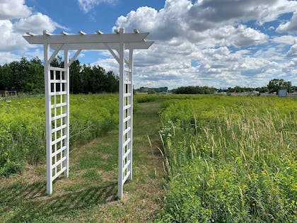 Trellis Walking Path | Country Inn & Suites by Radisson, Shoreview, MN