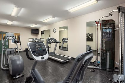 Fitness Room | Country Inn & Suites by Radisson, Columbia, MO
