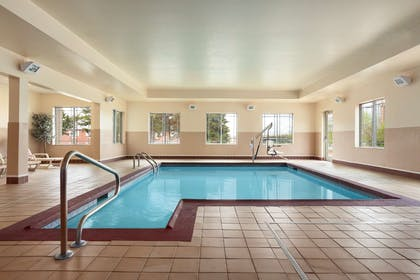 Pool | Country Inn & Suites by Radisson, Columbia, MO