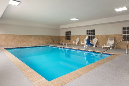 Pool | Country Inn & Suites by Radisson, Jackson-Airport, MS