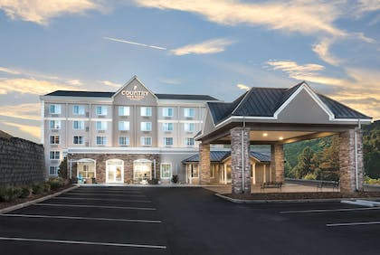 Hotel Exterior | Country Inn & Suites by Radisson, Asheville Downtown Tunnel Road, NC